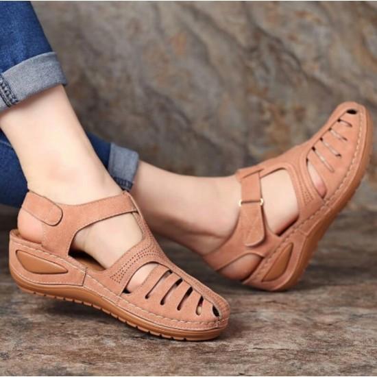 Sandalias con la punta cerrada para mujer (café) ZAP00043B